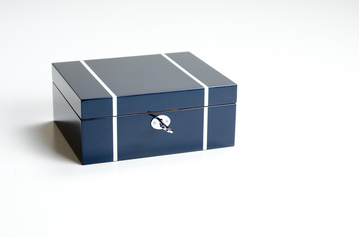 coffret de rangement bois laqu pour 6 montres par oh selection. Black Bedroom Furniture Sets. Home Design Ideas